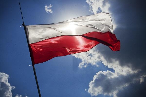 trustworthy moving company to Poland