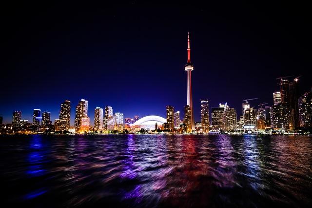 Moving company to Canada